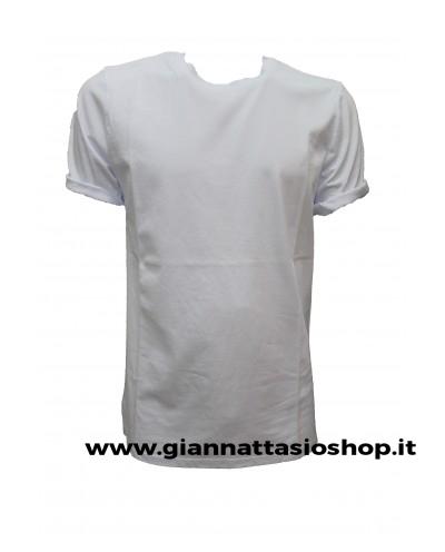 T-Shirt basico con spacchetti laterali